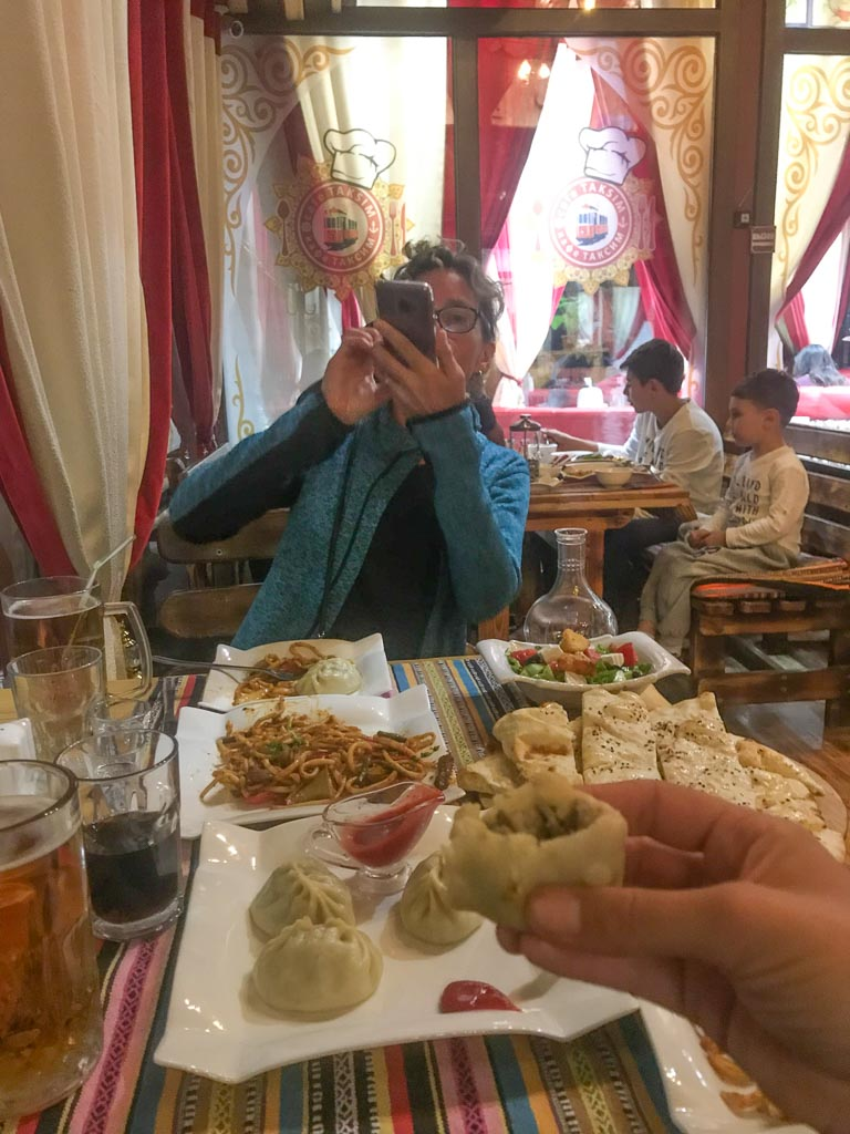 Taxsim Cafe, Bishkek, Kyrgyzstan, alte night restaurant Bishkek, Bishkek restaurant