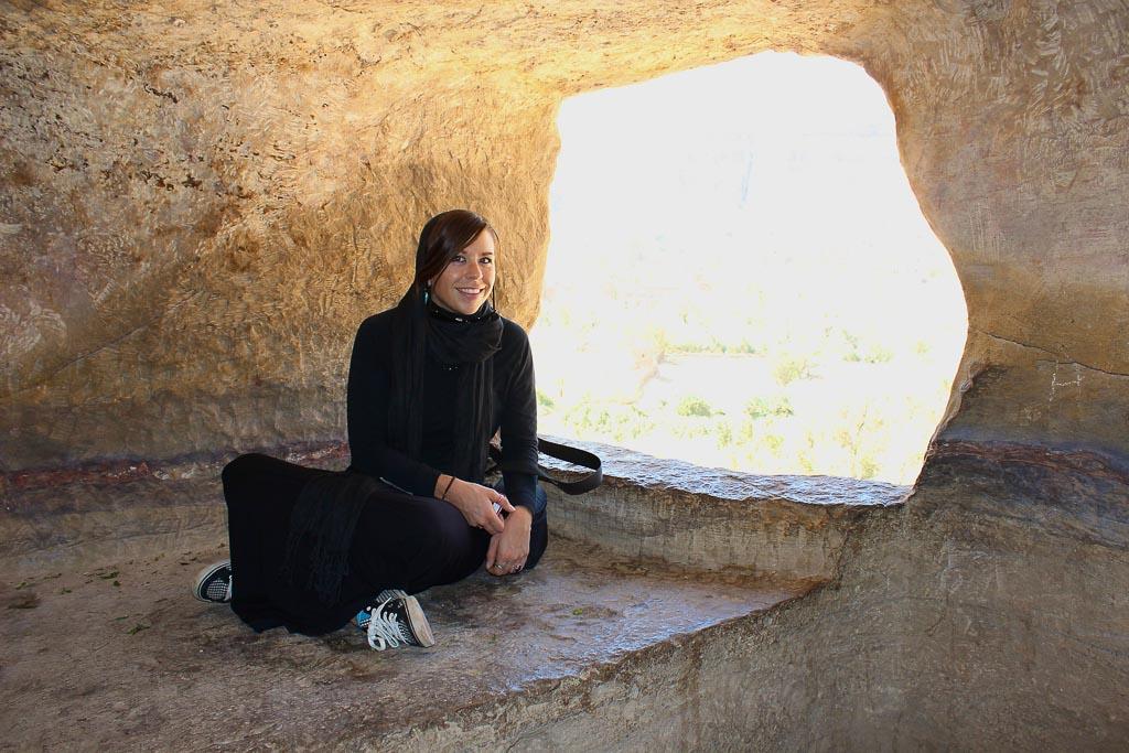 Dar al-Hajar, Dar al Hajar, Wadi Dhahr, Sana'a, Sanaa, Yemen, Rock Palace, woman Dar al Hajar, Sana'a Yemen, Sanaa Yemen