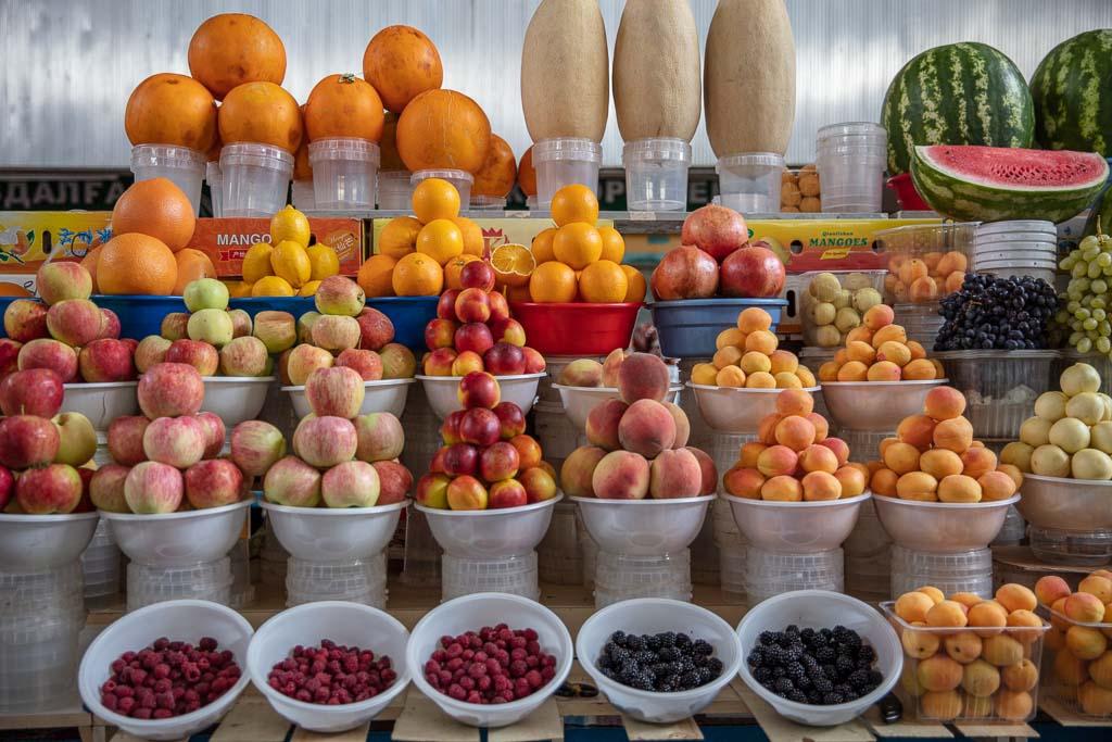 Green Bazaar, Almaty, Kazakhstan, fruit display