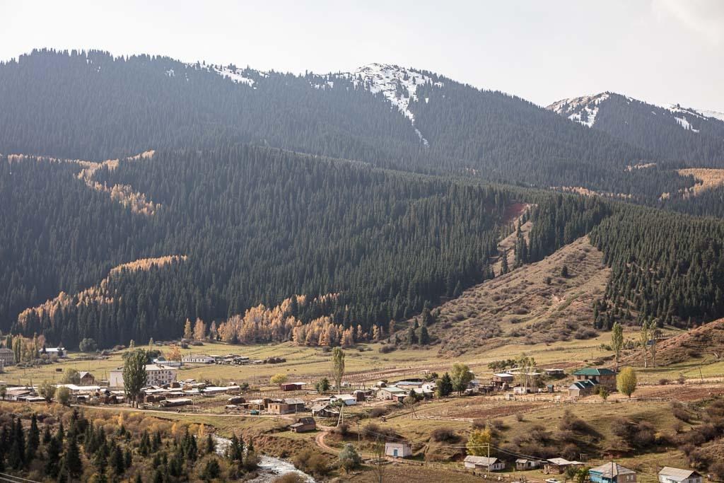 Jeti Oguz, Jeti Oguz Kortort, Kyrgyzstan