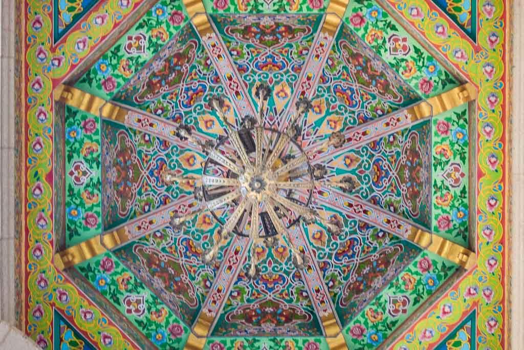 Dushanbe, Dushanbe Guide, Dushanbe City Guide, Dushanbe Travel Guide, Kokhi Navruz, Kohi Navruz, Tajik architecture, world's biggest teahouse