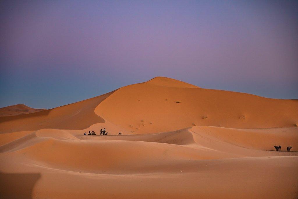 spend the night in the Sahara, Sahara desert, Sahara camping, camp Sahara, Sahara camp, desert camp, Morocco camp, camping, Merzouga, Erg Chebbi, Morocco, camp north africa