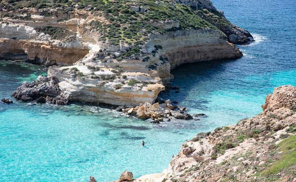 Lampedusa, Lampedusa travel, Lampedusa travel guide, Italy, Southern Italy, Sicily, Pelagie, Pelagie Islands. Spiagga dei Conigli, Isola dei Conigli, Rabbit Beach