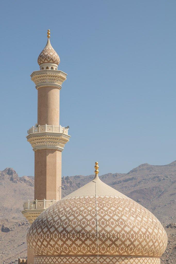 Nizwa, Nizwa Oman, Al Qala, Al-Qala, Al Qala mosque, Al Qala mosque Oman, Al Qala mosque Nizwa, AL-Qala mosque, Al-Qala mosque Oman, Al-Qala mosque Nizwa, mosque, Oman mosque, Nizwa mosque, Al Qala Oman, Al Qala Nizwa, One week in Oman, 7 days Oman, Oman roadtrip, Oman road trip, Oman road trip one week