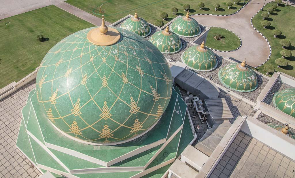Oman Travel, Oman Travel Guide, Zulfa, Zulfa Mosque, Zulfa Mosque Seeb, Zulfa Mosque Seeb Oman, Zulfa Seeb, Zulfa Seeb Oman, Zulfa Oman, green mosque Oman, One week in Oman, 7 days Oman, Oman Road trip, Oman roadtrip, Seeb, Seeb Oman, Seeb mosque