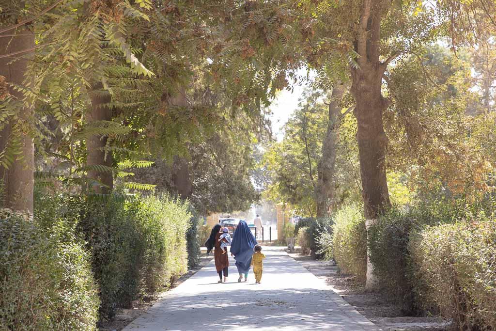 Balkh, Old Balkh, Afghanistan, Mazar e Sharif, Balkh Park, Khoja Parsa Park, women Khoja Parsa, women Balkh