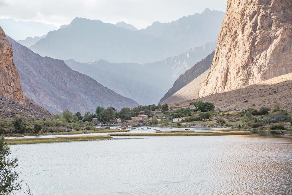 Jizeu trek, Bartang Highway, Bartang Valley, Bartang, Pamir, Pamir Mountains, Pamirs, Tajikistan, GBAO, Gorno Badakshan Autonomous Oblast, Badakshan, Badakhshon, Jizeu, Gizeu, Jizeu village