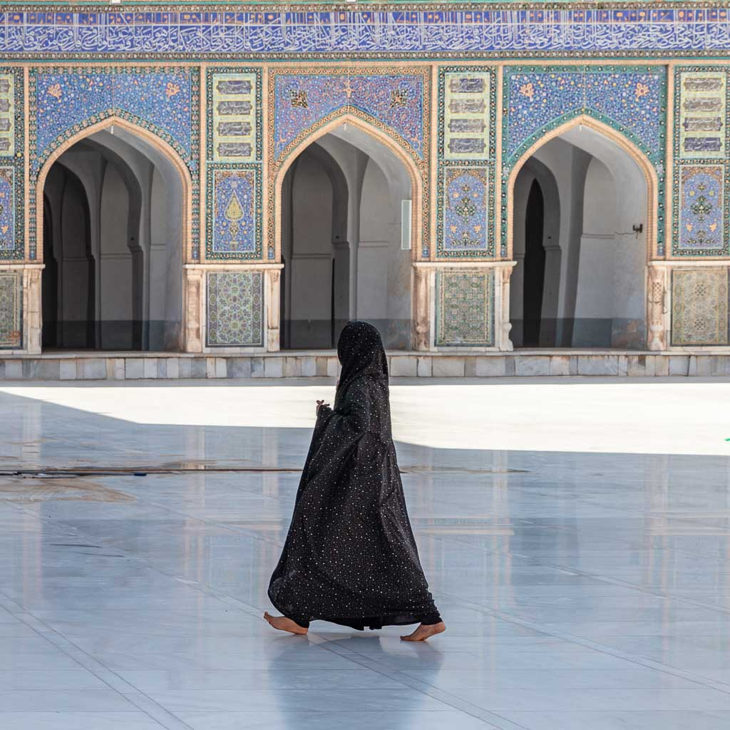 chador, Afghanistan, women travel Afghanistan, Herat, Herat mosque, Friday mosque