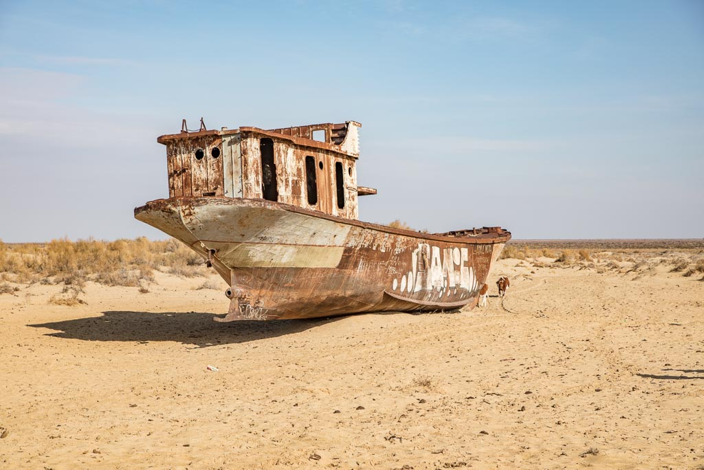 Moynaq, Moynaq ship graveyard, ship graveyard, Aral Sea, Karakalpakstan, travel Karakalpakstan, Karakalpakstan travel, Khorezm, Silk Road, uzbekistan
