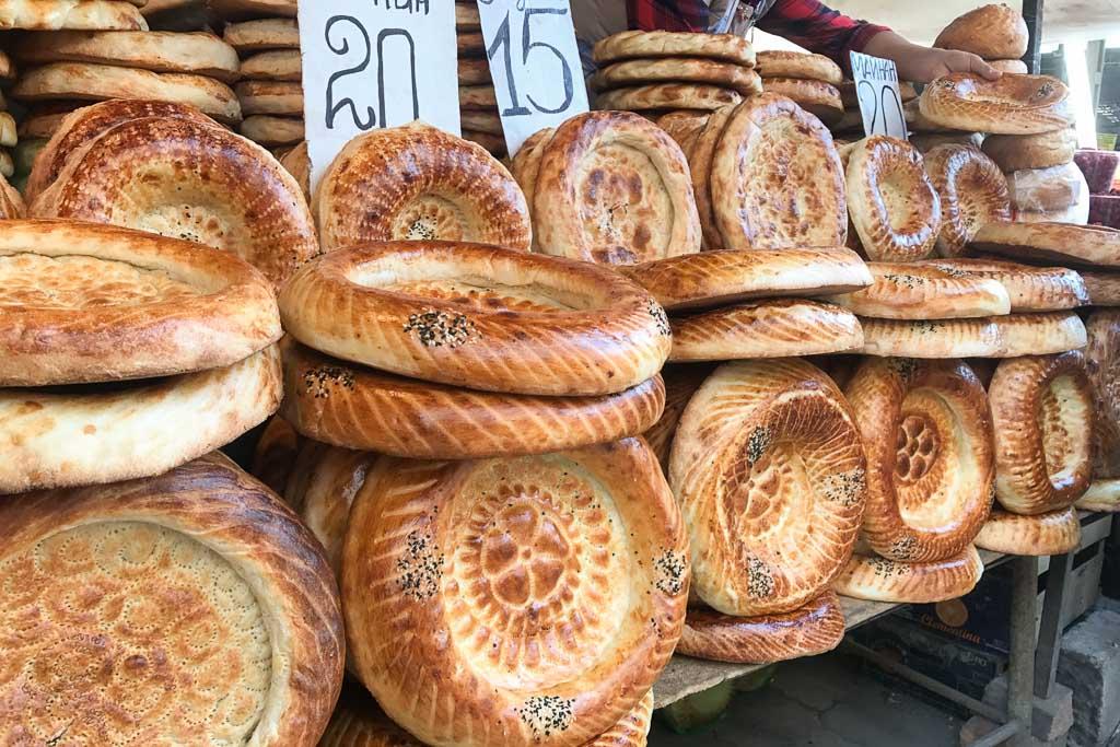 non, non bread, nan, nan bread, Osh Bazaar, Bishkek, Kyrgyzstan, Kyrgyz bread, Kyrgyzstan bread, Kyrgyzstan Travel Guide