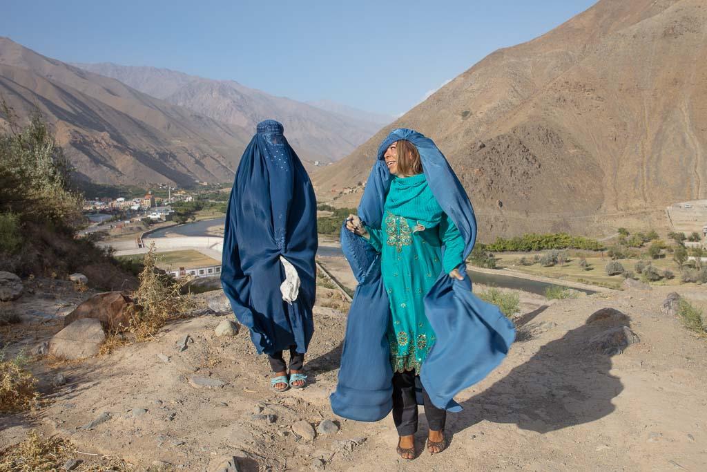 woman travel afghanistan, Afghanistan Tour, Afghanistan, Panjshir, Panjshir Valley, Chadri, Kabul day trip, Afghan Burqa