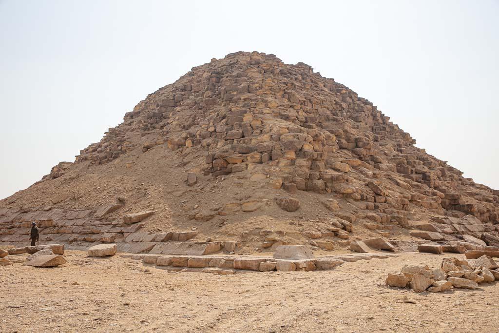 Dahshur, Dahshur Pyramids, Pyramid, Egypt, Cairo, Sneferu, Bent Pyramid Satellite, Satellite Pyramid at Bent Pyramid, North Africa, Africa, Sahara, Egyptian Sahara, Queen Pyramid, Queen's Pyramid, Queen Pyramid Bent Pyramid