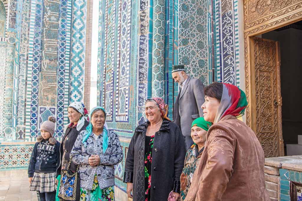 Kutlug Oko, Uzbekistan travel, two weeks Uzbekistan, Two week Uzbekistan, Uzbekistan itinerary, Uzbekistan, Uzbekistan travel guide, Uzbekistan travel, Uzbekistan guide, Samarkand, Shah-i-Zinda, Shah-i-Zinda, Uzbek women, Kutlug Oko