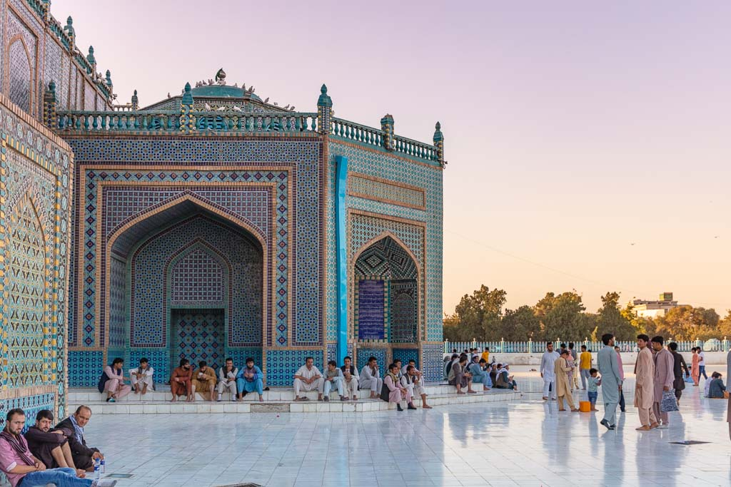 Shrine of Hazrat Ali, Blue Mosque, Blue Mosque Afghanistan, Blue Mosque Mazar e Sharif, Mazar e Sharif, Afghanistan, Balkh, Mazar i Sharif, Mosque, Afghanistan Mosque, Mazar e Sharif Mosque, Blue Mosque Sunset, Mazar e Sharif Sunset, Shrine of Hazrat Ali sunset