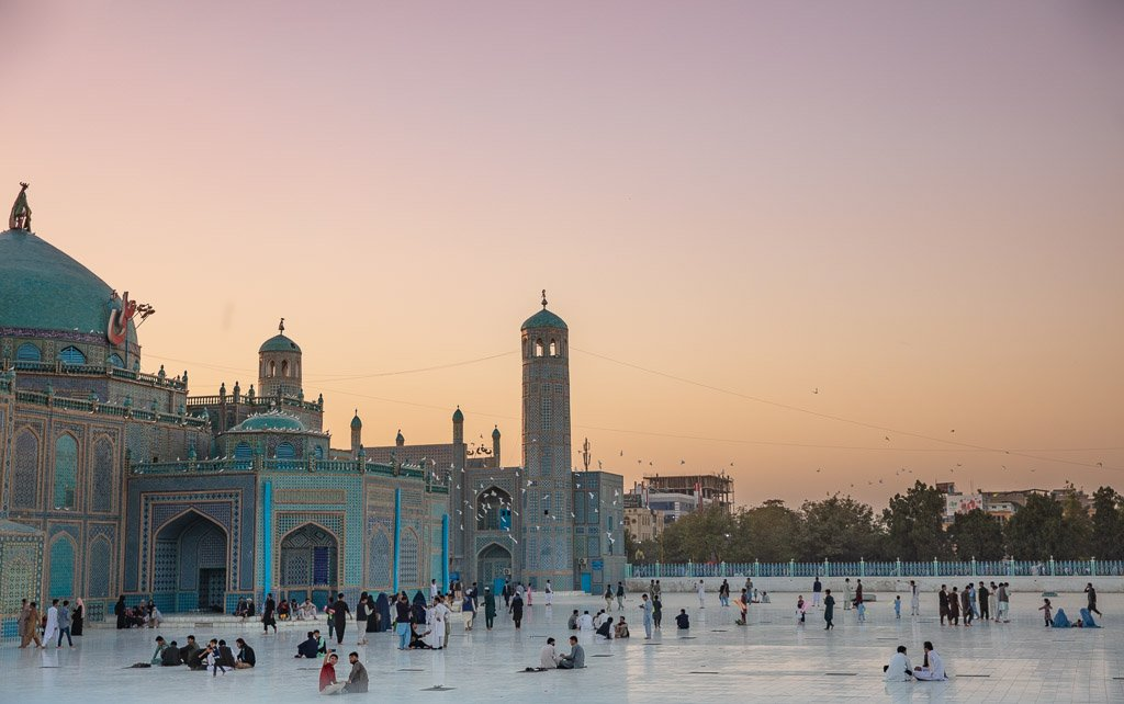 Shrine of Hazrat Ali, Blue Mosque, Blue Mosque Afghanistan, Blue Mosque Mazar e Sharif, Mazar e Sharif, Afghanistan, Balkh, Mazar i Sharif, Mosque, Afghanistan Mosque, Mazar e Sharif Mosque, Mazar e Sharif sunset, Blue Mosque sunset, Shrine of Hazrat Ali sunset