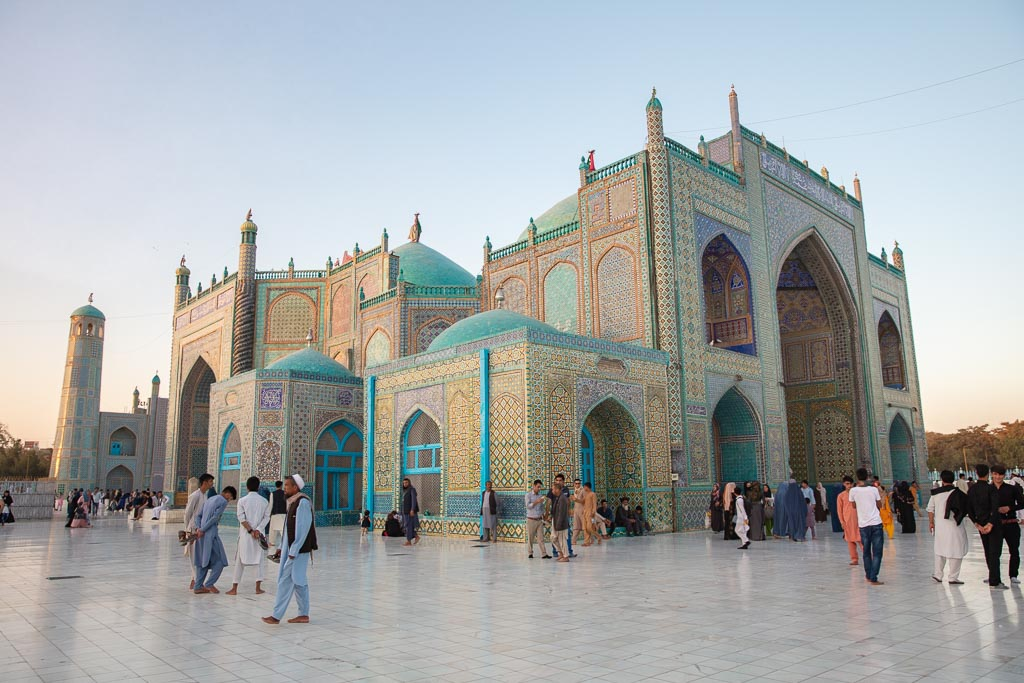 Afghanistan Tour, Afghanistan Travel, Afghanistan travel guide, Afghanistan, Mazar e Sharif, Mazar i Sharif, Balkh, Blue Mosque, Blue Mosque Mazar e Sharif, Blue Mosque Afghanistan, Shrine of Hazrat Ali