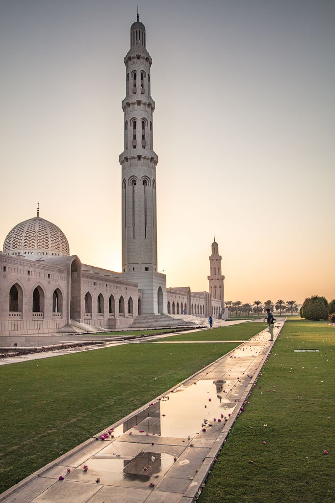 Sultan Qaboos Mosque, Oman, Oman Travel, Oman Travel Guide, Middle East, Oman Mosque, Muscat, Muscat Mosque, Muscat Grand Mosque, Grand Mosque Oman