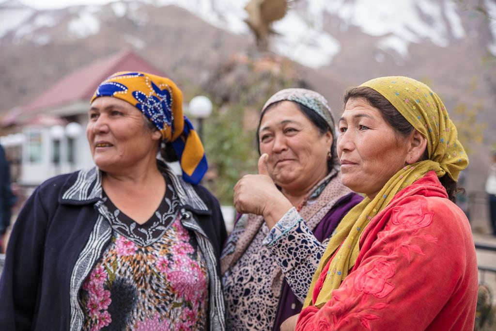 Uzbekistan, Uzbekistan travel guide, Uzbekistan travel, Uzbekistan guide, Uzbek Women, Kamchik Pass, Qurama Mountains